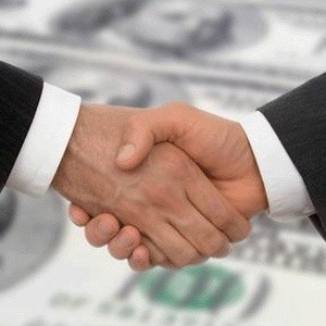 """Журнал """"Слияния и Поглощения"""" подсчитал традиционный рейтинг финансовых и юридических консультантов M&A-сделок. Лидером среди финансовых консультантов на рынке M&A как по объему, так и по количеству, стал J.P. Morgan. Абсолютный лидер рейтинга юридических консультантов - """"Клиффорд Чанс СНГ, Лимитед""""."""