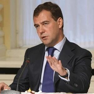 Президент России Дмитрий Медведев пока не видит явных признаков завершения мирового экономического кризиса.