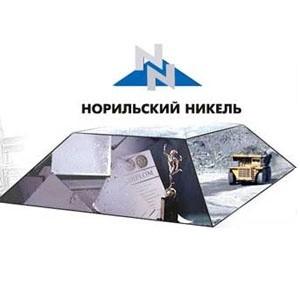 По сообщениям российскийх СМИ, вице-премьер Игорь Сечин запросил у генерального директора Норильского никеля информацию об отдельных финансовых сделках компании.
