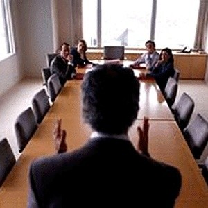 Мировой финансовый кризис заставил большинство организаций пересмотреть состав своего штата. Компании из совершенно разных сфер деятельности по всему миру регулярно объявляют о сокращении сотрудников.