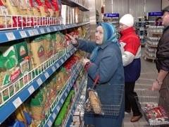 По данным Федеральной антимонопольной службы (ФАС) России, общие наценки на товары, представленные на прилавках торговых сетей, составляют от 20 до 60%.
