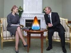Газовые вопросы между Украиной и РФ окончательно не решены, считает премьер-министр России Владимир Путин. Впрочем, по его мнению отношения Москвы и Киева в условиях глобального экономического кризиса приобрели большую конструктивность.