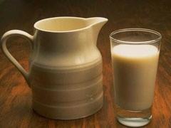 """Председатель совета директоров компании """"Вимм Билль Данн"""" Давид Якобашвили заявил, что лето этого года будет тяжелым для российской молочной промышленности."""