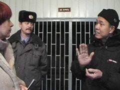 Около 150 граждан Китая были задержаны на территории Черкизовского рынка за нарушение миграционного законодательства. Еще 80 вьетнамцев будут выдворены из России за попытку перекрыть Щелковское шоссе в знак протеста.