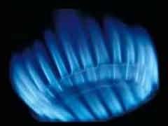 Премьер-министр Украины Юлия Тимошенко представила международным финансовым институтам и Еврокомиссии обязательства Украины в отношении реформы газового сектора с целью получения международного кредита на реконструкцию инфраструктуры газохранилищ.