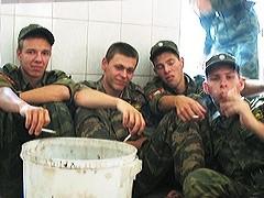 Минобороны не будет закупать для армии сигареты. Теперь в паек военнослужащего вместо курева будут входить карамель и сахар.